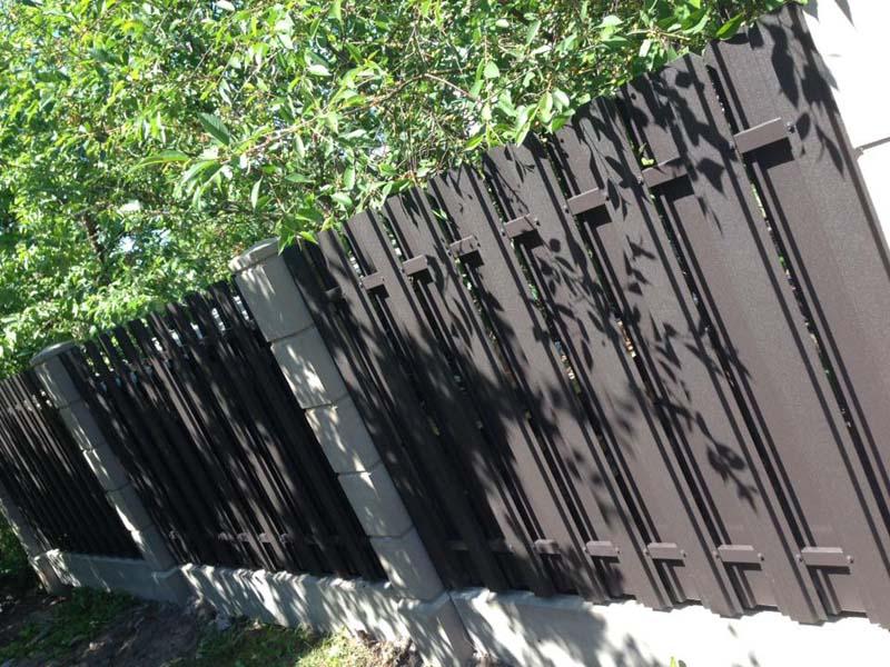 Aluzinc zogi staketa zogi Riga Latvija uzstadisana 10