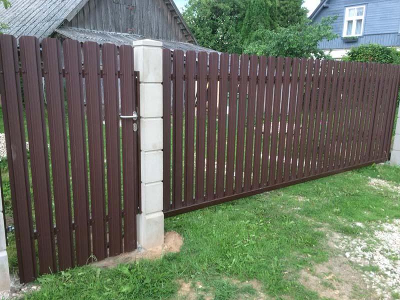 Aluzinc zogi staketa zogi Riga Latvija uzstadisana 18