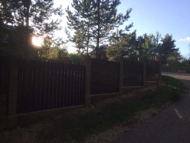 Aluzinc zogi staketa zogi Riga Latvija uzstadisana 27