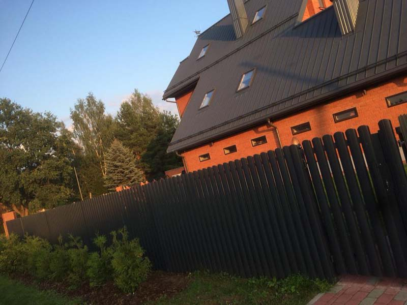 Aluzinc zogi staketa zogi Riga Latvija uzstadisana 29