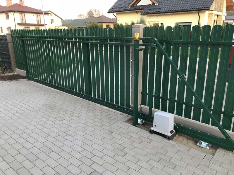 Aluzinc zogi staketa zogi Riga Latvija uzstadisana 3