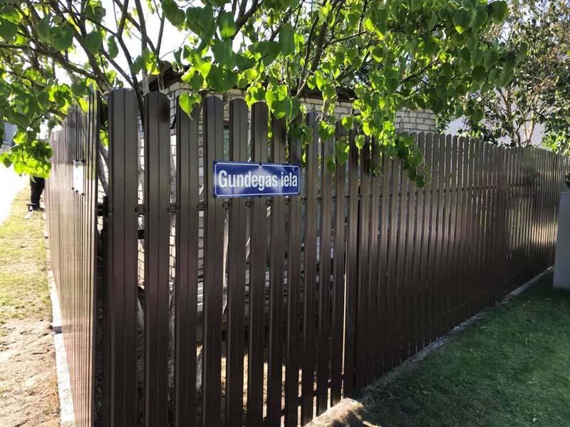 Aluzinc zogi staketa zogi Riga Latvija uzstadisana 35