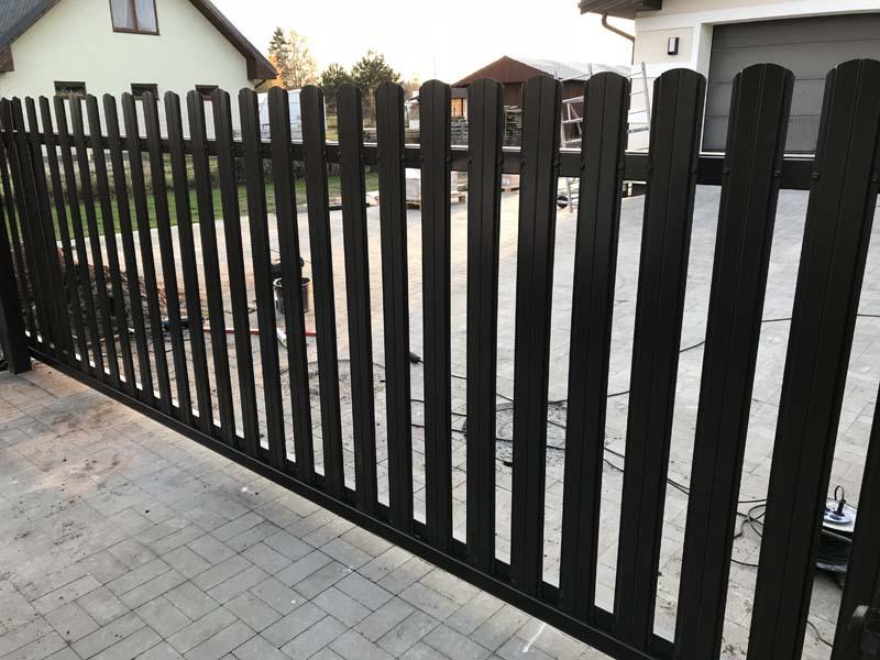 Aluzinc zogi staketa zogi Riga Latvija uzstadisana 8